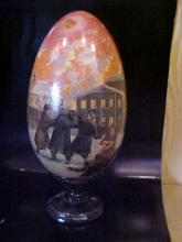 Spectacular Signed Russian exceptional quality highly detailed handpainted egg