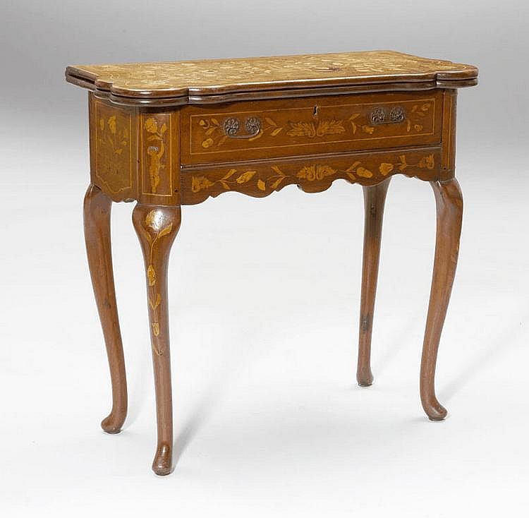 A MAHOGANY GAMES TABLE WITH INLAID DECORATION,