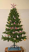 LARGE MIXED LOT OF CHRISTMAS TREE DECORATIONS,