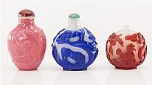 THREE CHINESE PEKING GLASS SNUFF BOTTLES