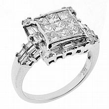 DIAMOND SQUARE CLUSTER RING: