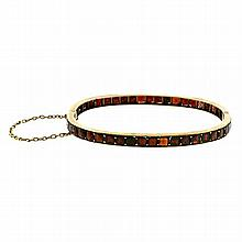 EDWARDIAN SILVER GILT BOHEMIAN GARNET BANGLE