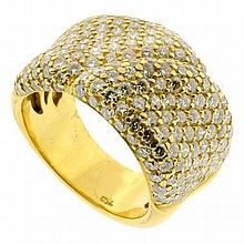 18CT GOLD PAVE SET DIAMOND RING