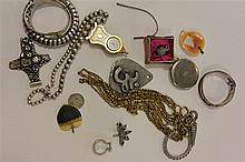 Collection of assorted jewerly including sterling silver and wrist watches, one Buckingham Palace souvenir, miniature shelf clock