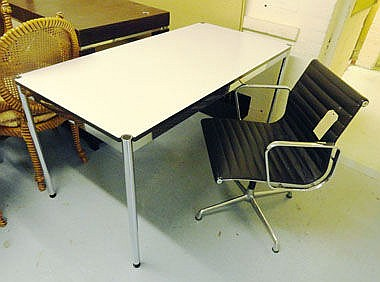 DESK, USM Haller, with ivory coloured top on