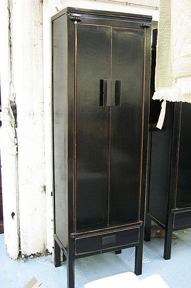 ORIENTAL CABINET, Chinese style, in black lacquer