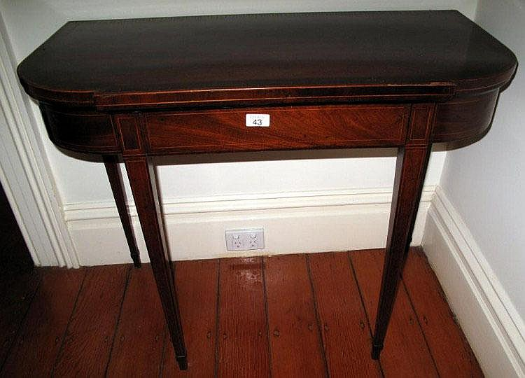 Georgian mahogany card table with string inlay