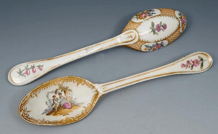 TWO PAIRS OF MEISSEN PORCELAIN SPOONS, each