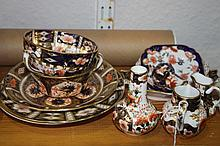 A SMALL COLLECTION OF DERBY AND ROYAL CROWN DERBY