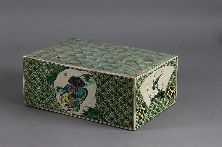 Chinese Famille Verte Plinth; Kangxi  (1662-1722)
