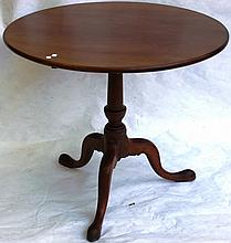 AMERICAN MAHOGANY QUEEN ANNE TEA TABLE; URN