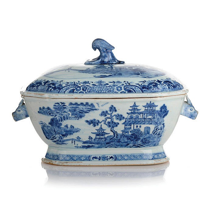 Tureen in Chinese porcelain, Guangzhou