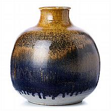Bulging vase in German ceramics