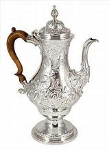 A GEORGE III SILVER COFFEE POT, CHARLES WRIGHT, LONDON, 1772