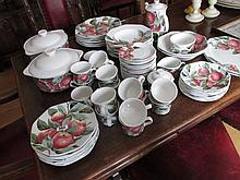 Spanish 75 Piece Porcelain Dinner Service with