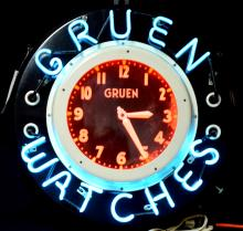 Neon Gruen Watches round clock