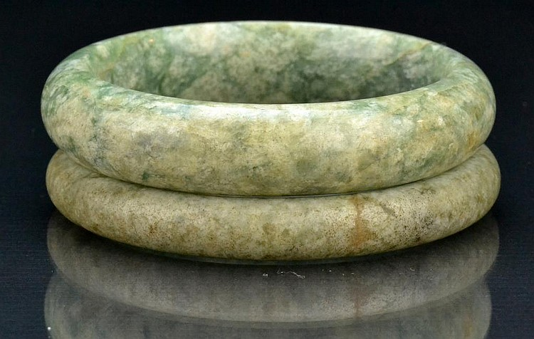 (2) Chinese Qing Spinach Jade Bangle Bracelets