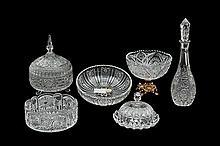 Lote de cristalería. Algunos de origen mexicano y alemán. Marcas Kristaluxus y Nachtmann. Diferentes tamaños. Diseños facetados. 6 pzs