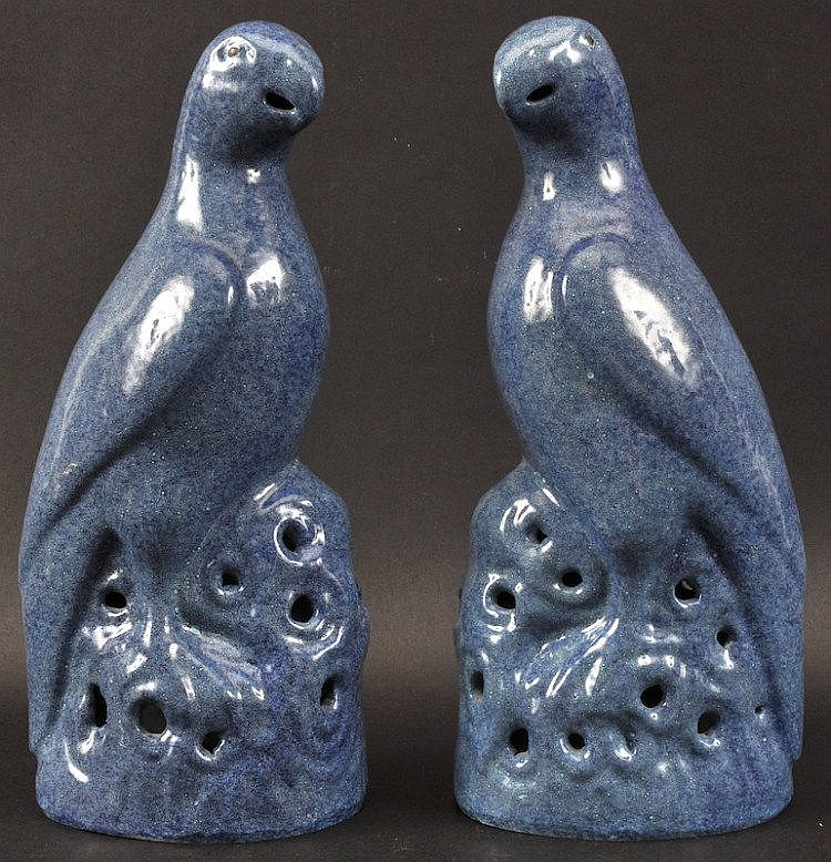 A PAIR OF CHINESE QING DYNASTY ROBINS EGG FIGURES