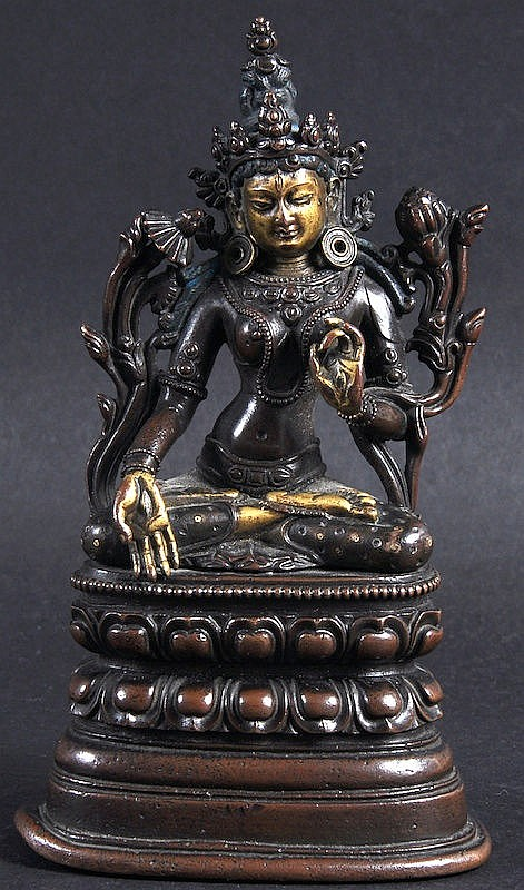 A FINE 19TH CENTURY SINO NEPALESE BRONZE FIGURE OF