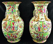 A LARGE PAIR OF 19TH CENTURY CHINESE CANTON