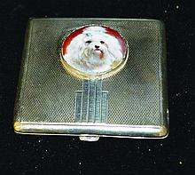 A SQUARE ART DECO SILVER ENGINE TURNED COMPACT,