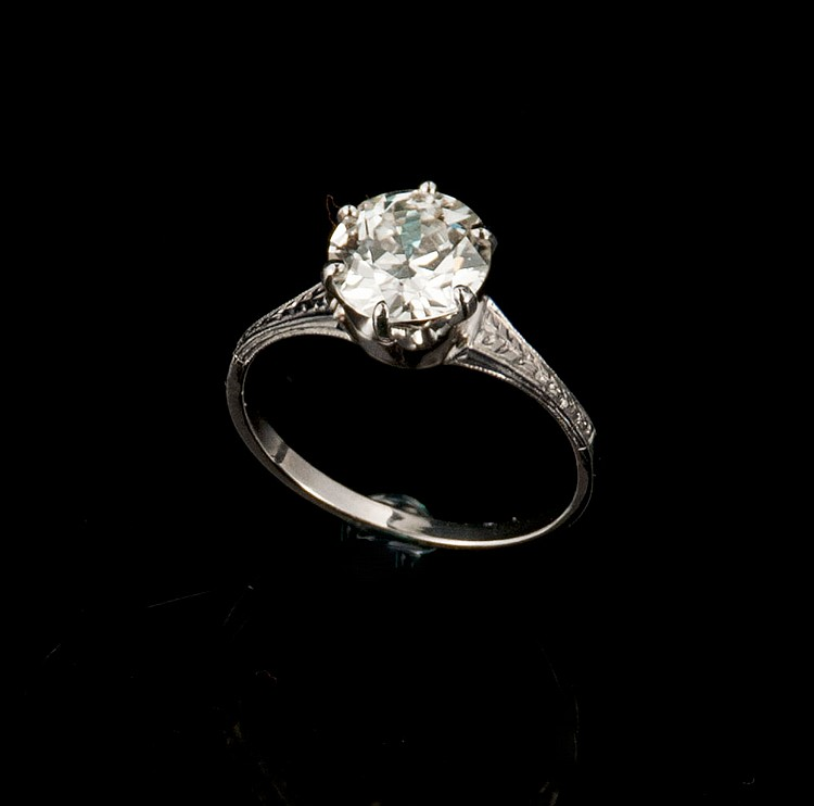 Art Deco platinum ring with one Old European cut diamond, approx. 1.80 cts. with EGL certificate US910041301D