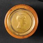 ANDRIEU, d'après.  « Bonaparte Premier Consul de la République. »  Boîte ronde en loupe, à couvercle en laiton estampé.  Intérieur en écaille.  Diam : 85 mm.  B.E.
