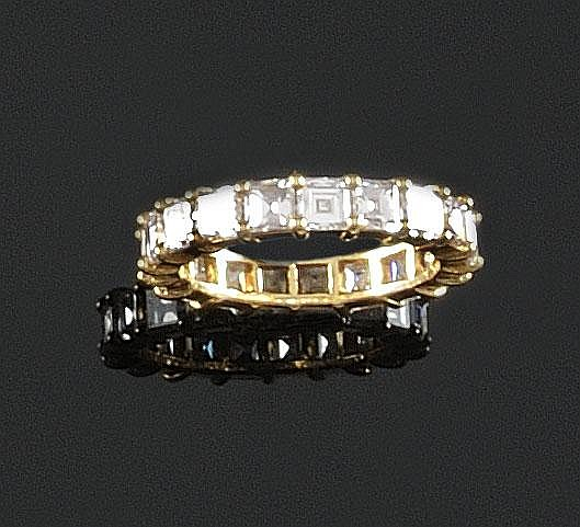 ALLIANCE en or jaune ornée de diamants de taille émeraude. Poids brut : 4,4 g TDD : 53 A DIAMOND AND YELLOW GOLD RING