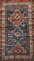 Ancien CHIRVAN (Caucase) à médaillons cruciformes étoilés et sabliers Fin XIXème siècle 200 x 112 cm