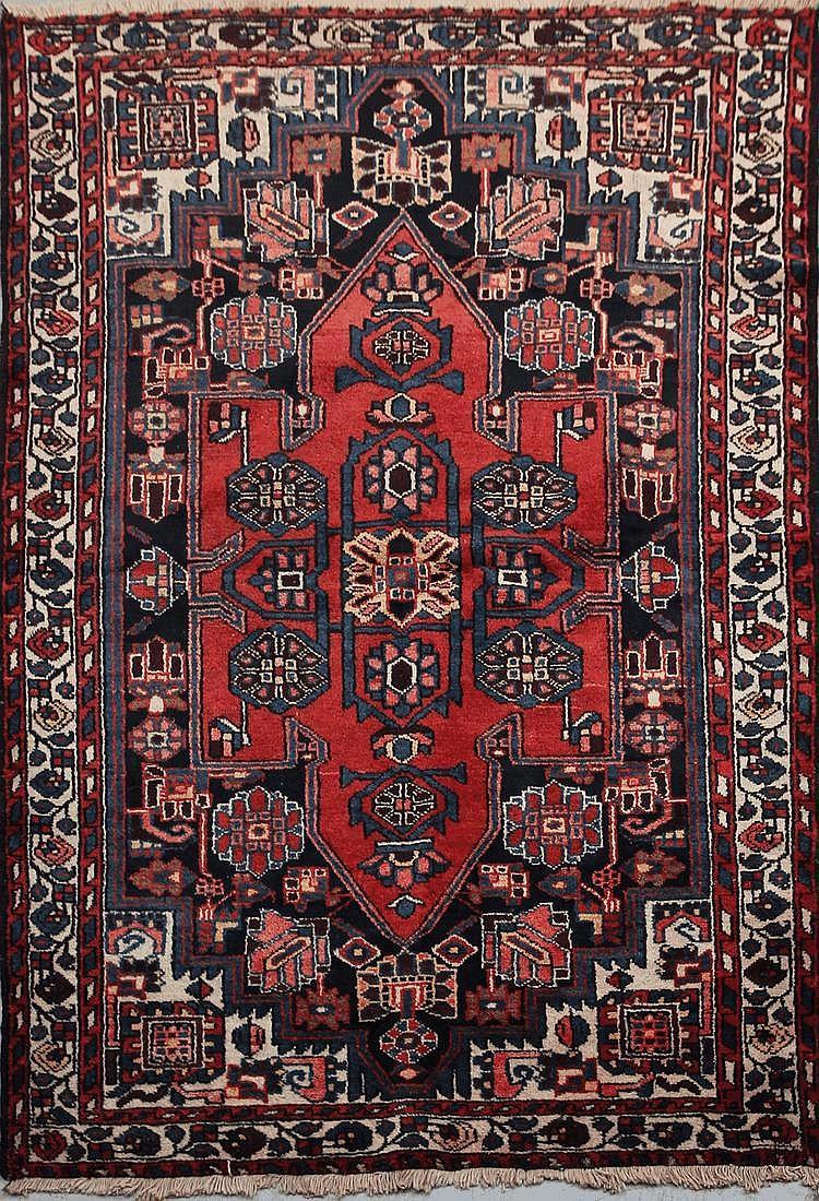 TAFRECH (Iran) à large bouclier central cruciforme Vers 1960 195 x 130 cm
