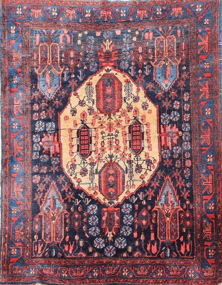 Original et ancien AFCHAR (Perse) sur fond bleu nuit Vers 1930 181 x 130 cm