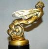 « Femme Libellule », mascotte signée H. Payen, France 1920-1925, bronze doré, haut : 125 mm. Réf 108 de ML.