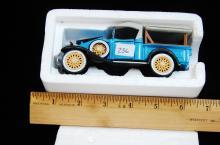 1932 Chevy Roadster Pickup 1/32 Blue Model Car