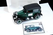 1928 Chevy Imperial Landau 1/32 Green Model Car