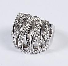 DESIGNER 2.0 CT DIAMOND RING IN 18 KT GOLD - The 7/8