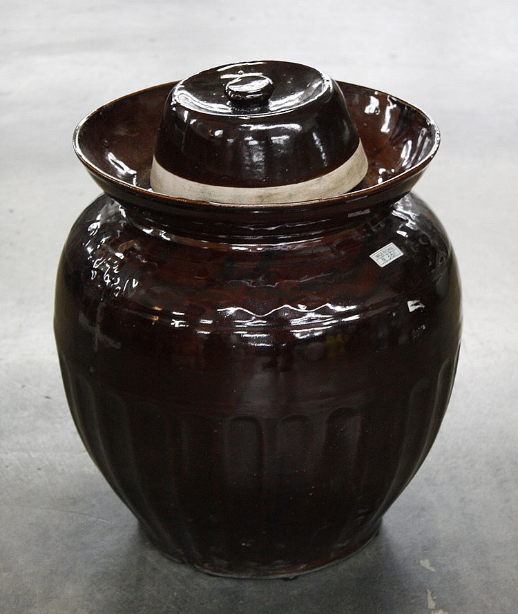 CHINESE CERAMIC STORAGE JAR - Dark espresso brown Chinese ceramic storage jar with lid and deep collared lip. Condition good. 17