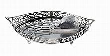 Portuguese silver snuffers and tray, early 19th century.