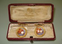 ANTIQUE RUSSIAN GOLD ENAMELED PAIR OF CUFFLINKS