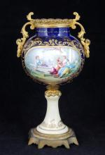 ANTIQUE CONTINENTAL PORCELAIN SCENIC URN