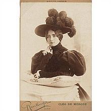 Léopold REUTLINGER (Callao 1863-Paris 1937) Cléo de Mérode, 1890-1900 Tirage d'époque sur papier albuminé, monté sur carte cabinet