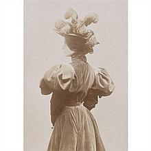 Wilhelm BENQUE (1843-1903) Cléo de Mérode, 1890-1900 4 tirages d'époque sur papier albuminé montés sur supports cartonnés