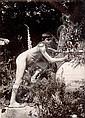 Baron Wilhelm VON GLOEDEN (1856-1931) Jeune garçon nu à la jarre, Taormina, vers 1900-1910 Épreuve d'époque sur papier albuminé
