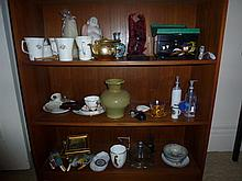 Assortment Of Oriental Wares Including Jewellery