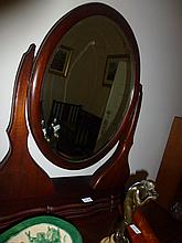 Cedar Dressing Table Mirror With Chest Of Drawers