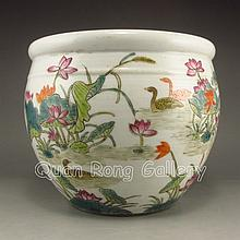 Hand-painted Chinese Famille Rose Porcelain Pot w Mandarin Duck & Lotus