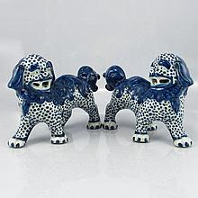 A Pair Hand-painted Chinese Blue And White Porcelain Statue - Foo Dogs