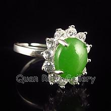 Beautiful Hand-carved Chinese Crystal 925 Silver Inlay Green He Tian Jade Ring