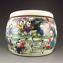 Hand - painted Chinese Porcelain Tea Caddy w Urchin & Tongzhi Mark