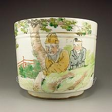 Hand-painted Chinese Su Cai Porcelain Brush Pot